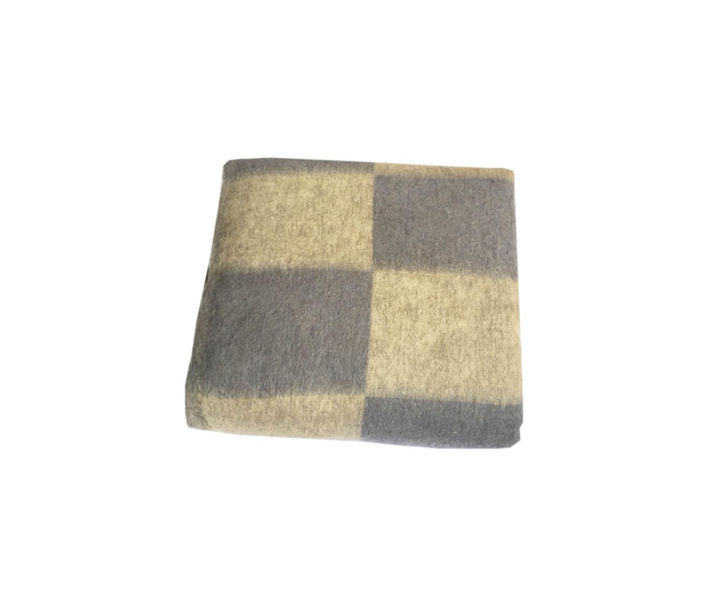 Одеяло полушерстяное 1,5-спальное. Плотность 500 г/м2 (Крупная клетка, серо-голубой)
