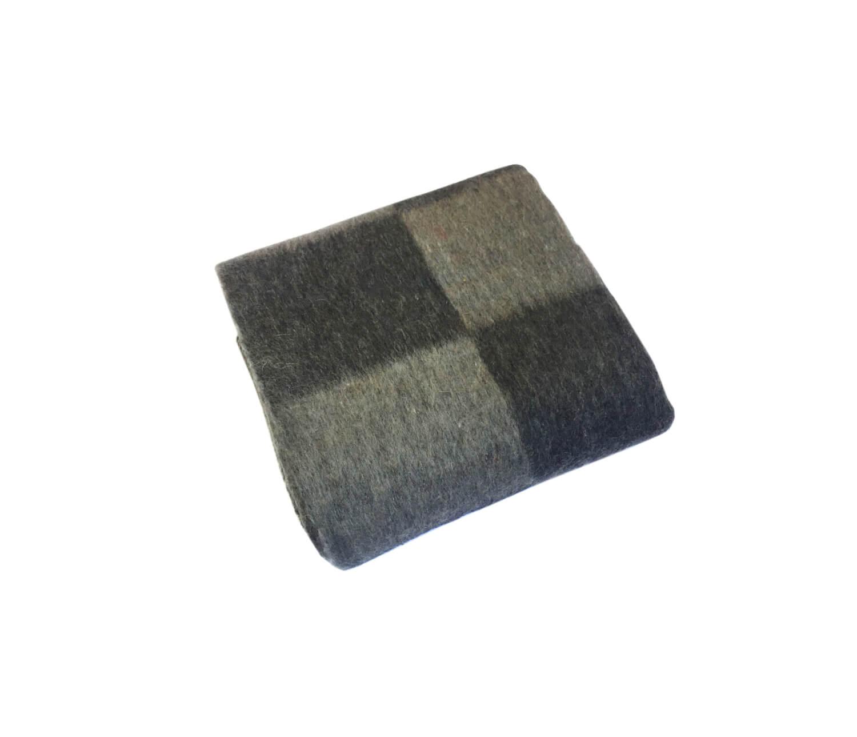 Одеяло п/ш 1,5-спальное. Плотность 400 г/м2 (Крупная клетка, темно-серый)