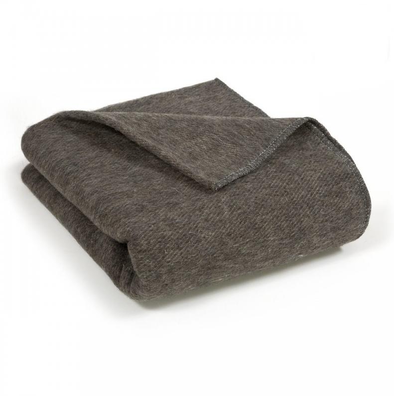 Одеяло полушерстяное 1,5-спальное. Плотность 700 г/м2 (Темно-серый)
