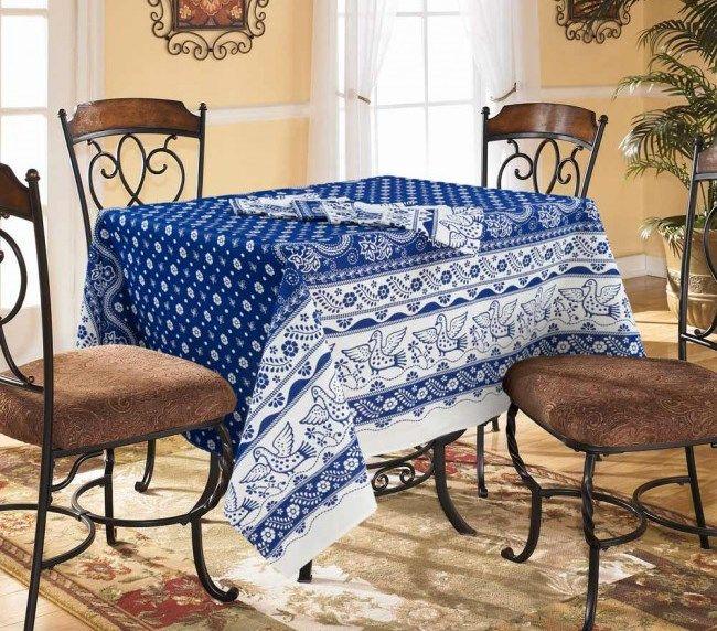 Скатерть 150*150 см, полульняная ткань (Гуси-лебеди, синий)